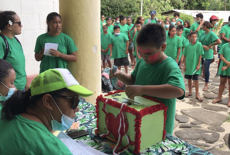 La boîte qui recevait les dons. Au total ce sont plus de 200 000 Fcfp qui ont été récoltés.