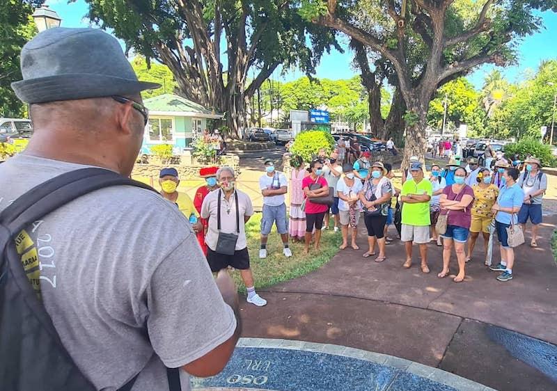 Une centaine de marcheurs contre l'appropriation des îles Actéon
