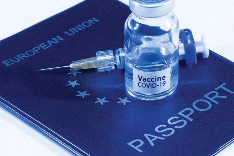 """Etats-Unis: la polémique enfle autour de l'idée d'un """"passeport vaccinal"""""""