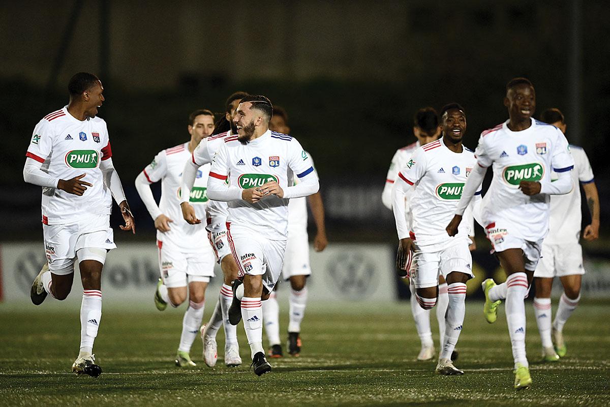 Coupe de France: Lyon souffre face au Red Star mais atteint les quarts