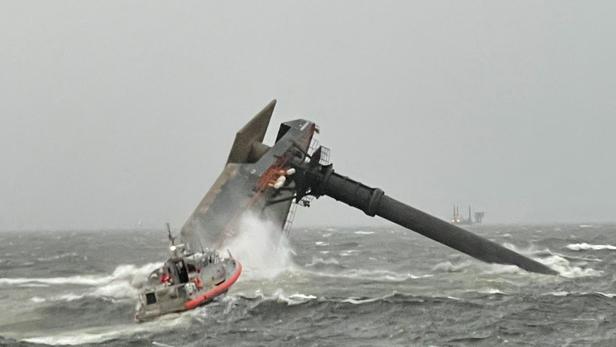 Un navire chavire au large de la Louisiane, une douzaine de personnes disparues