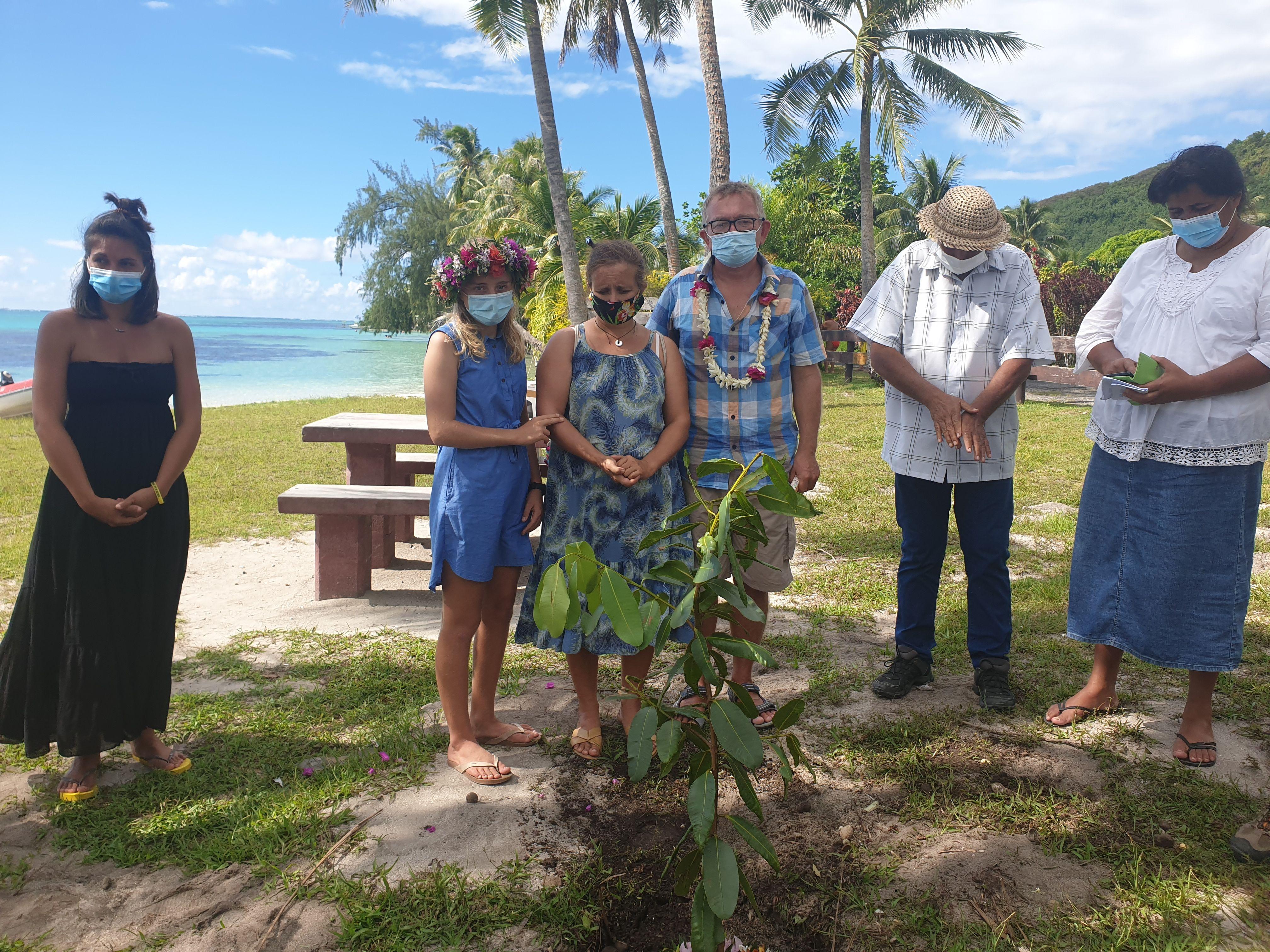 Un hommage à Eddy à Ta'ahiamanu