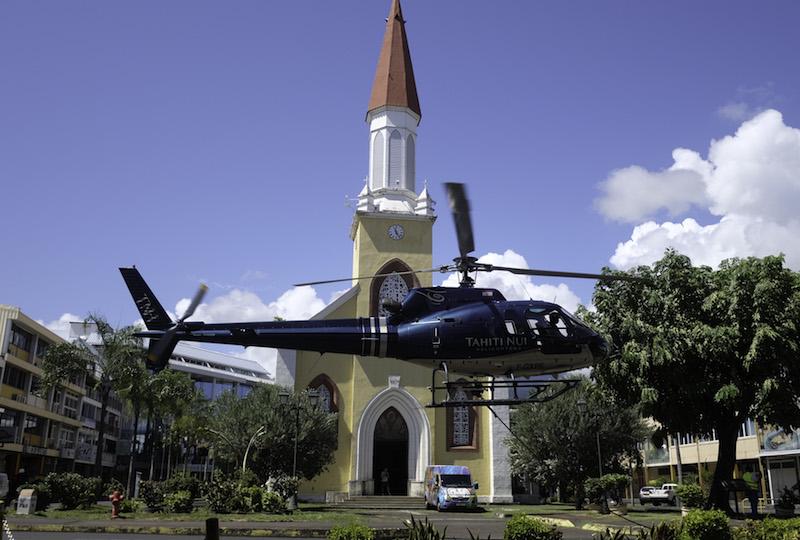 Spectaculaire hélitreuillage à Papeete