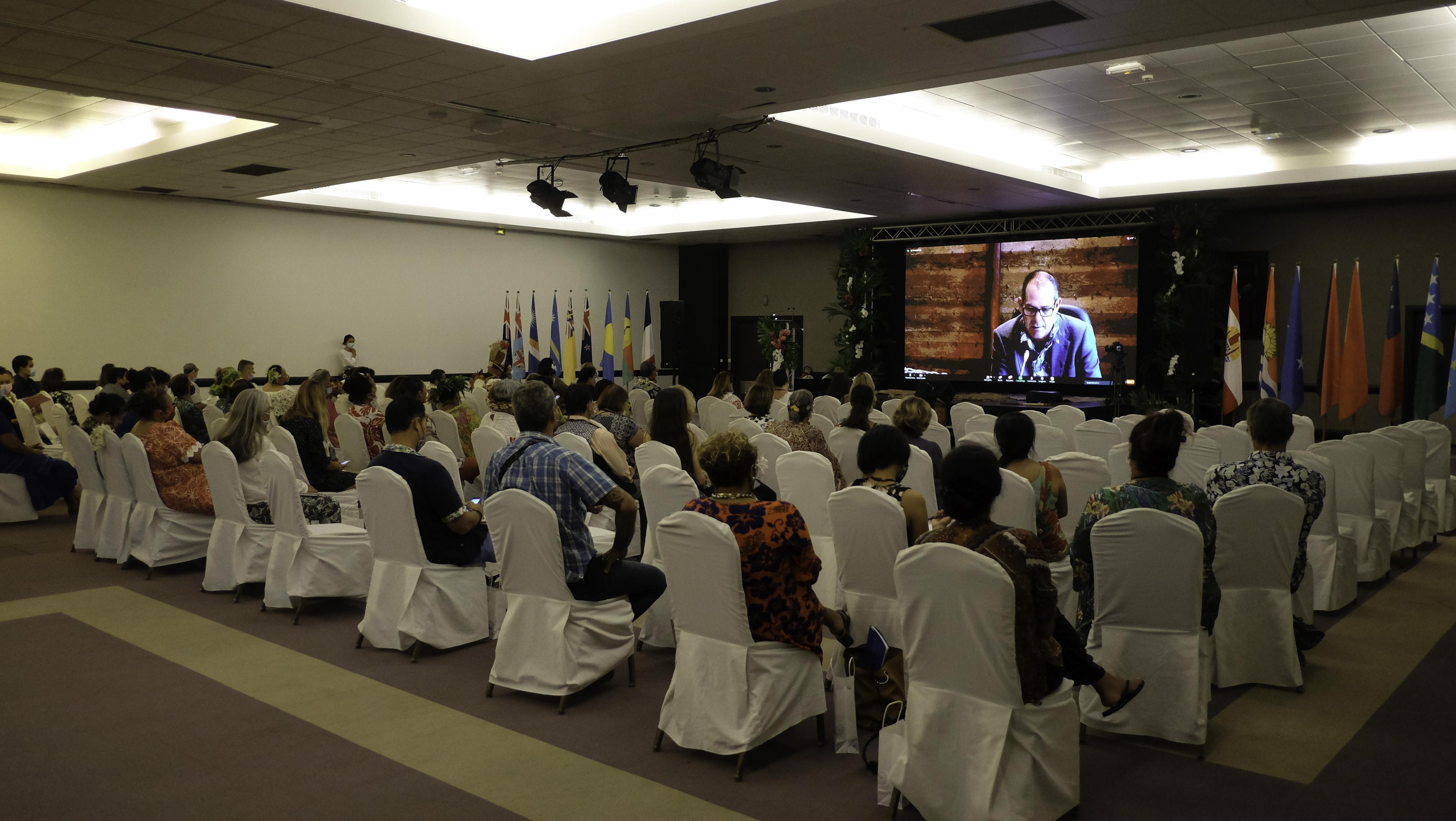 1000 femmes en visio à Tahiti