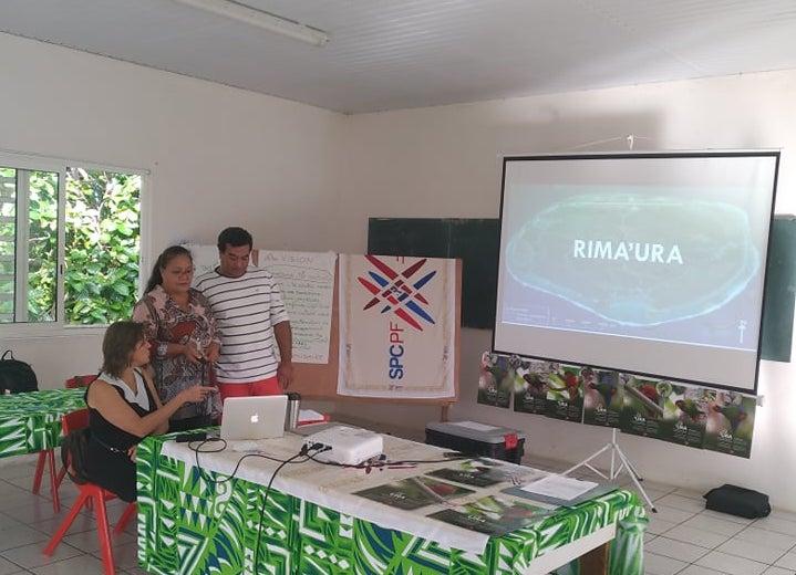 Mireta Erena et Ishido Kato de l'association Rima'ura ont fait une intervention sur l'importance de la protection de la biodiversité.