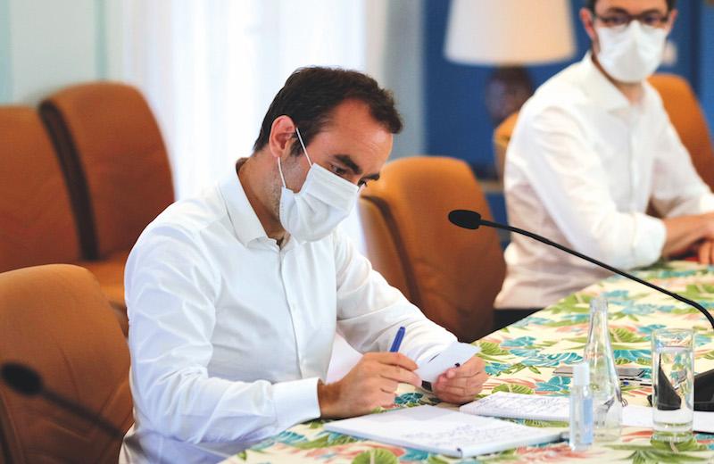 "Sébastien Lecornu : ""Nous souhaitons qu'Air Tahiti Nui continue à voler"""
