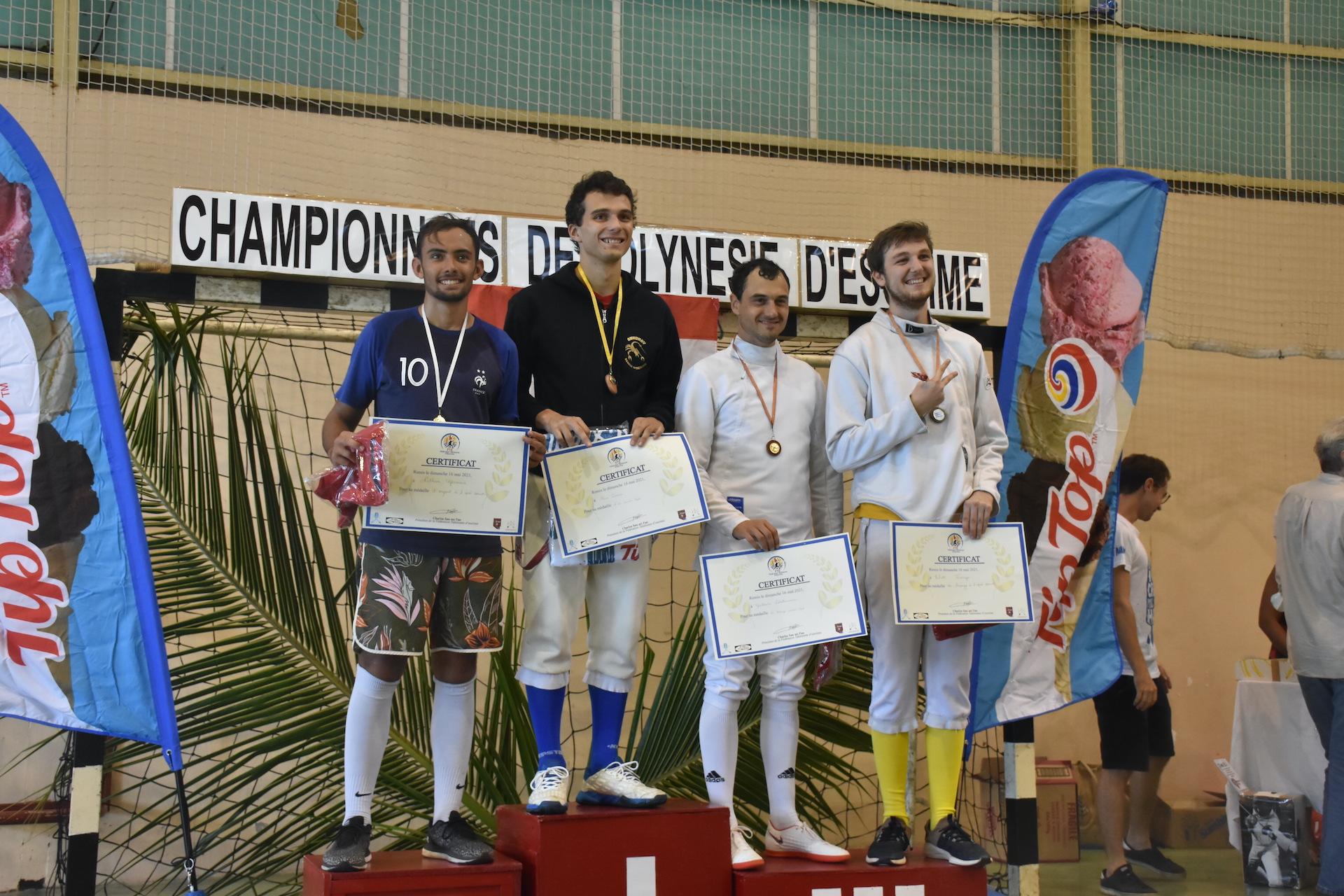 Le podium de l'épée messieurs dominé par Nans Damon, du Aito Papeete Escrime.