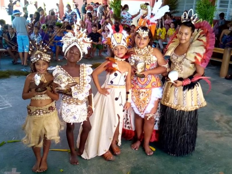 Les candidates du concours de Korero : Tuheata, Shaina, Tevahinemoeata et Titikua et Anais.