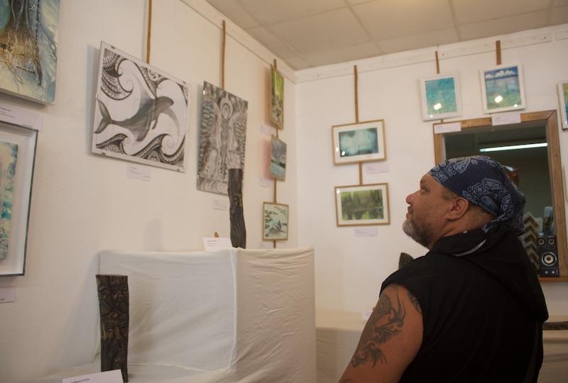 Guillaume, l'artiste à l'origine des derniers totems de Koh-Lanta.