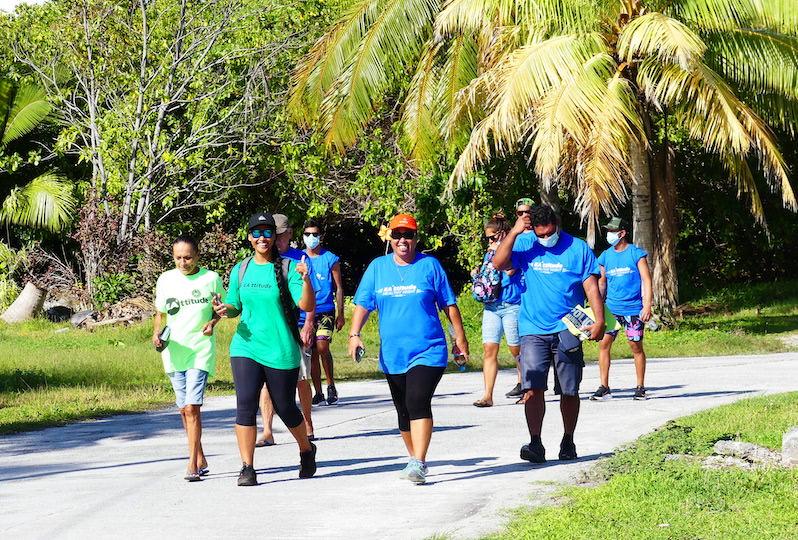La campagne de sensibilisation s'est terminée mercredi par une marche dans le village de Avatoru.