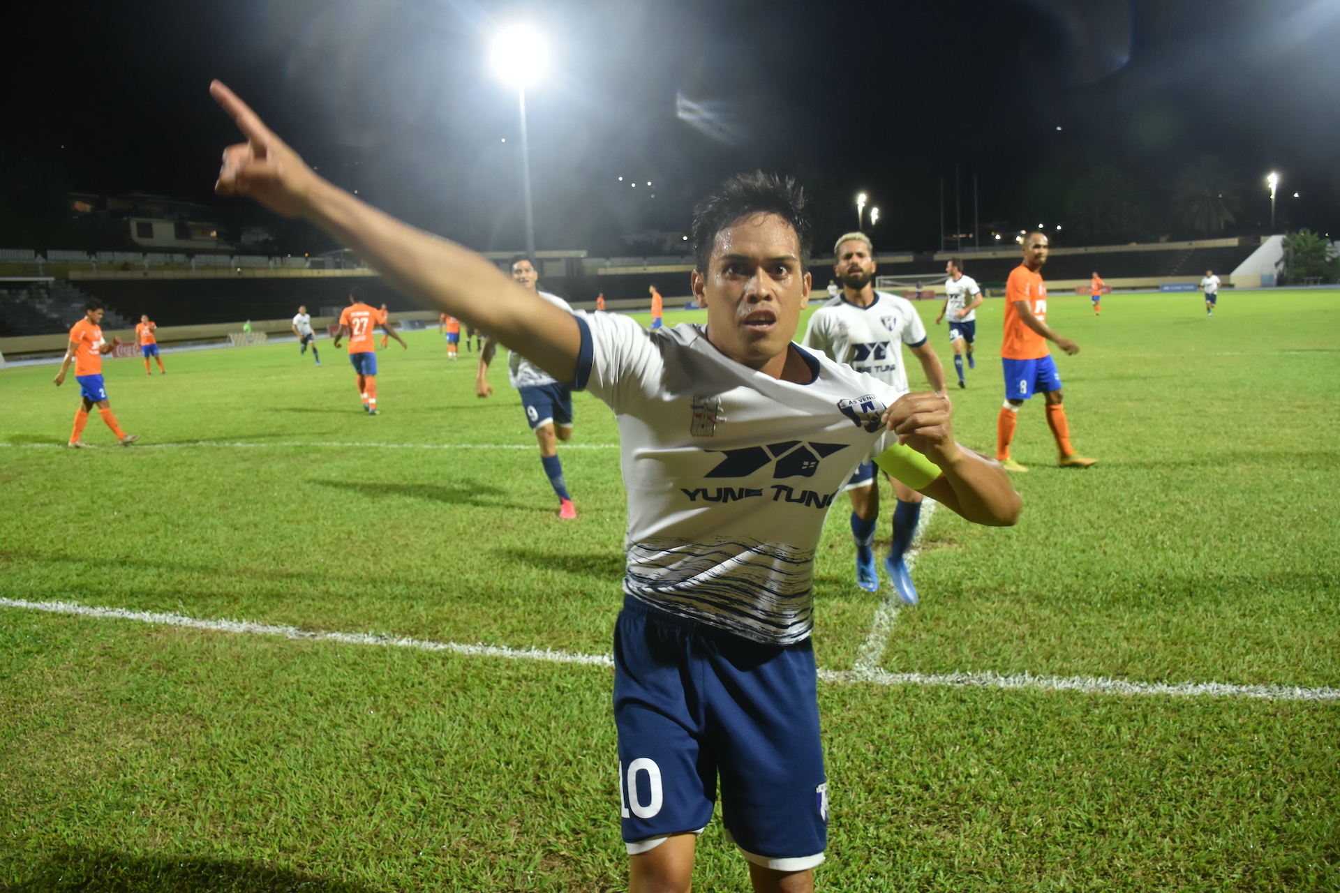 L'inévitable Teaonui Tehau a ouvert la marque pour le club de Mahina après dix minutes de jeu en première période.