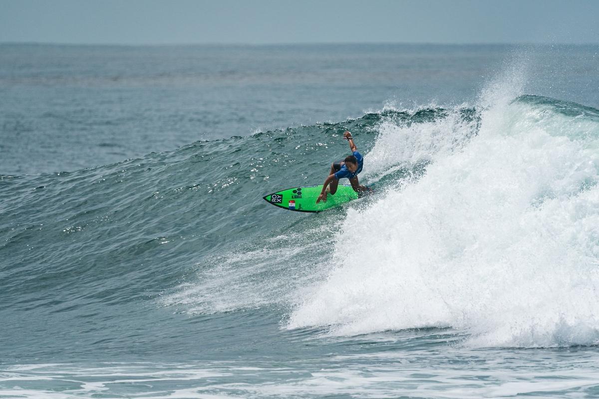 Forfait pour sa série du premier tour à cause d'un test positif au Covid-19, Vahine Fierro a franchi sept tour de repêchages avant de finalement chuter, samedi, aux Mondiaux ISA au Salvador. (photo : Fédération française de surf)