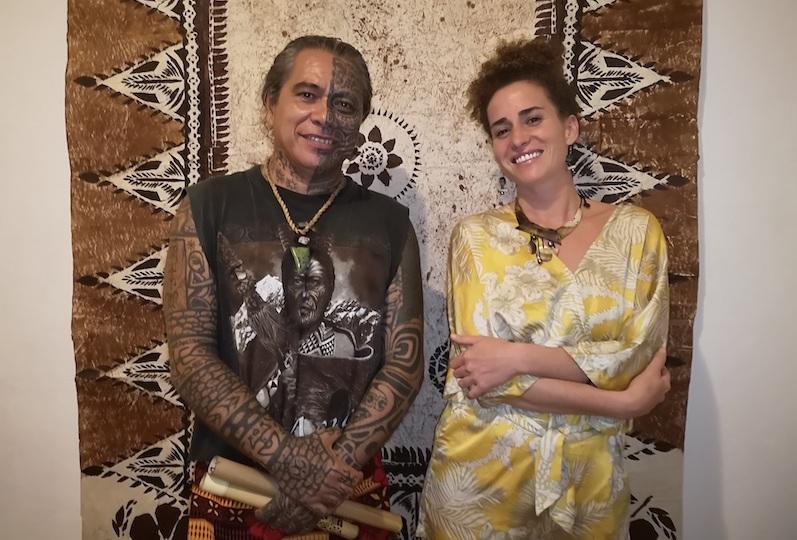 Tihoti et Naiki, à l'origine des conférences culturelles mensuelles. Celle de vendredi portait sur l'importance de la généalogie dans la culture polynésienne.