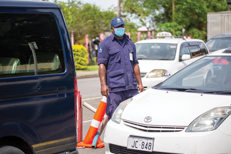 La progression d'une seconde vague épidémique inquiète aux Fidji