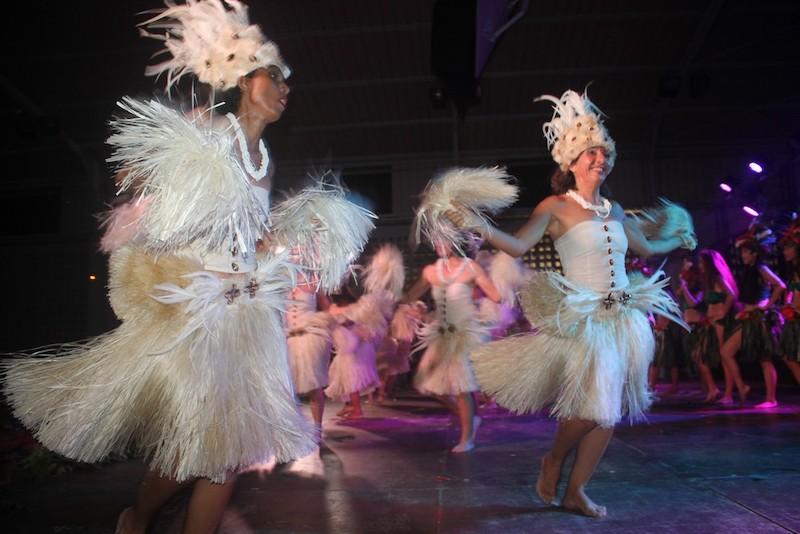Les écoles de danse font leur show à Uturoa