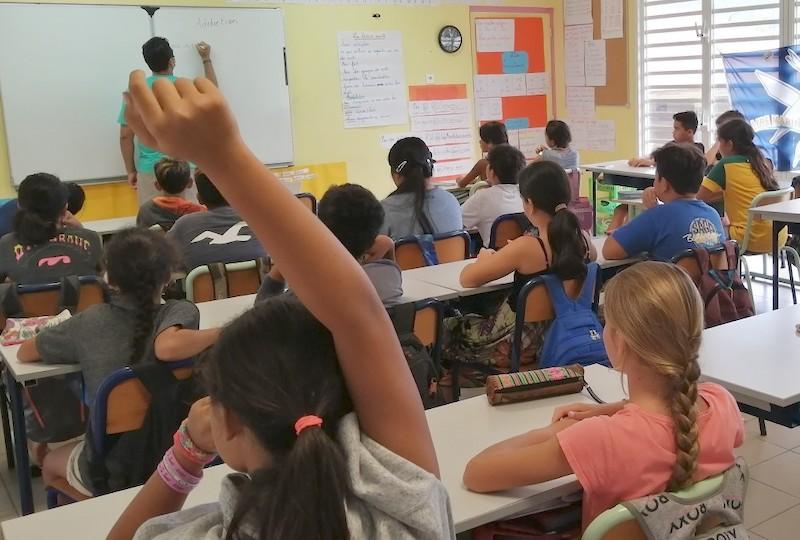 Deux élèves infirmiers ont mené pendant deux mois des actions sanitaires à Nuku Hiva. Parmi elles, la sensibilisation d'une classe de CM2 de l'école Patoa sur les risques d'addiction.