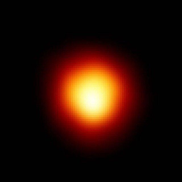 L'étoile Bételgeuse continuera à enrichir l'Univers