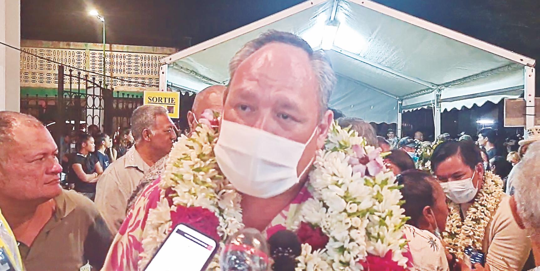 La liste conduite par Matahi Brotherson remporte les élections municipales de Uturoa avec un plébiscite de près de 900 voix sur sa concurrente, Sylviane Terooatea.