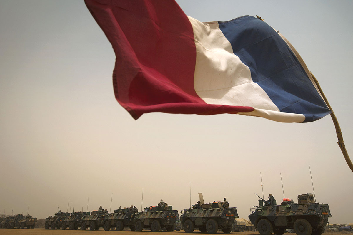 Mali: attaque à la voiture piégée, 6 soldats français et 4 civils blessés