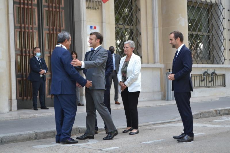 Jeudi, lors de la brève rencontre entre Édouard Fritch et le président Macron, en marge de la table ronde sur les conséquences des essais nucléaires en Polynésie.