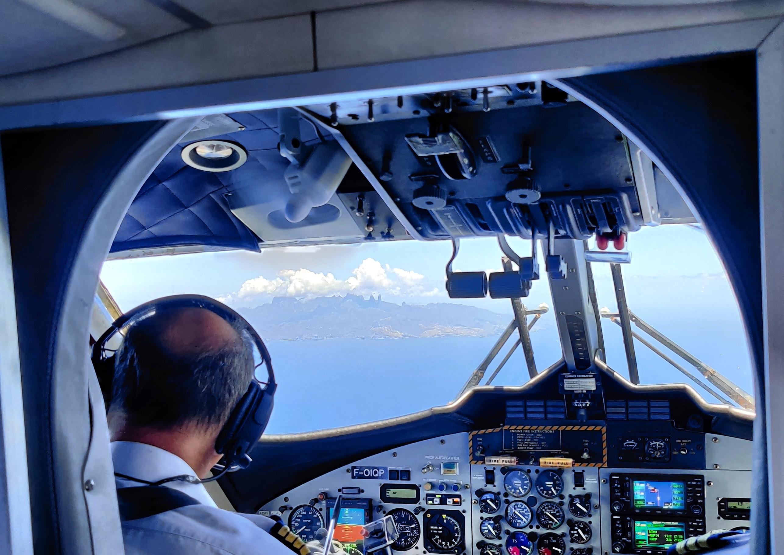 Toujours pas d'avion, mais bientôt des hélicoptères à Ua Pou