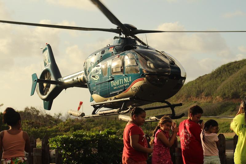 Aux Marquises, les hélicoptères ont pris le relais