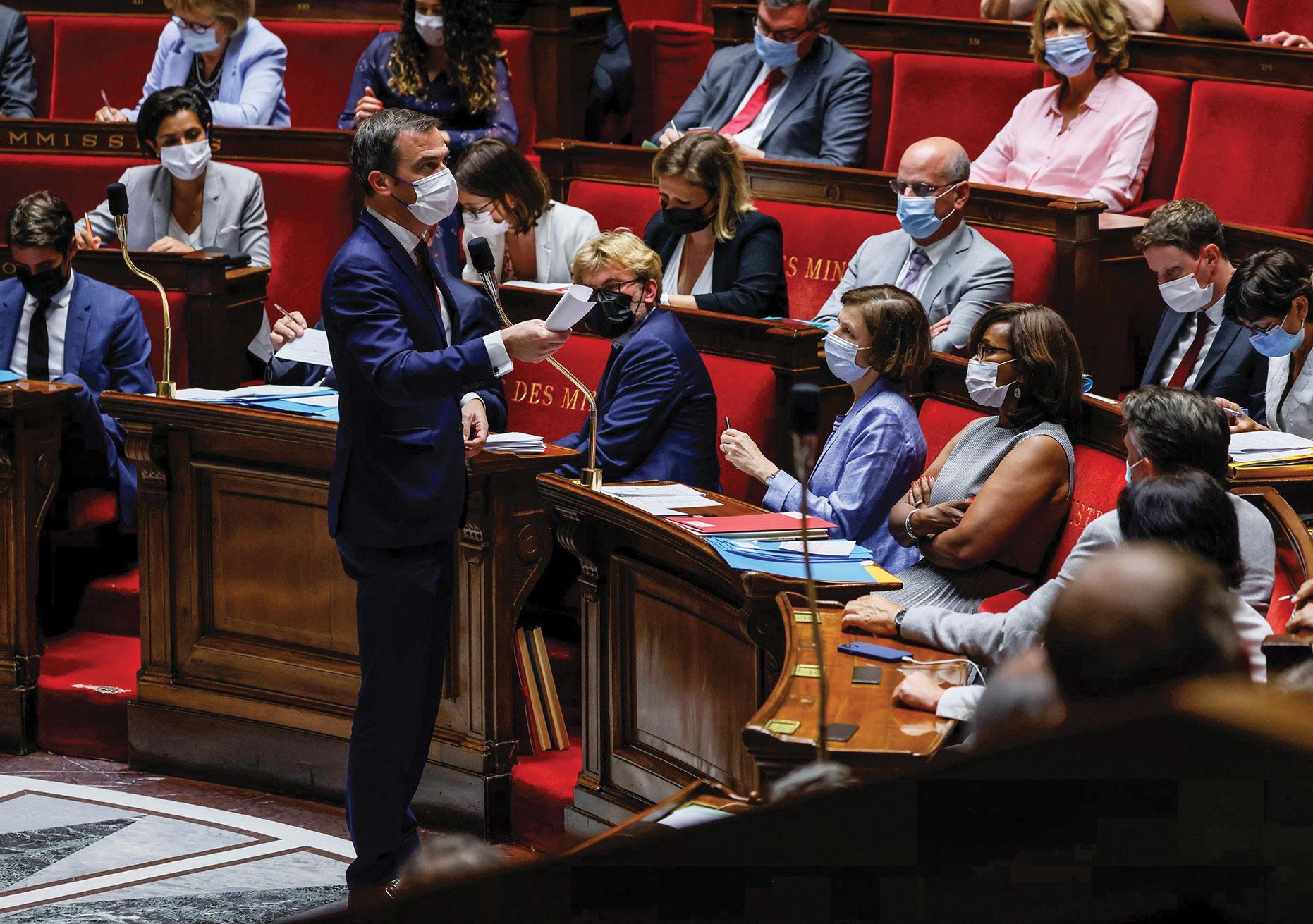 Vaccination, pass: bras de fer engagé au Parlement autour du projet de loi