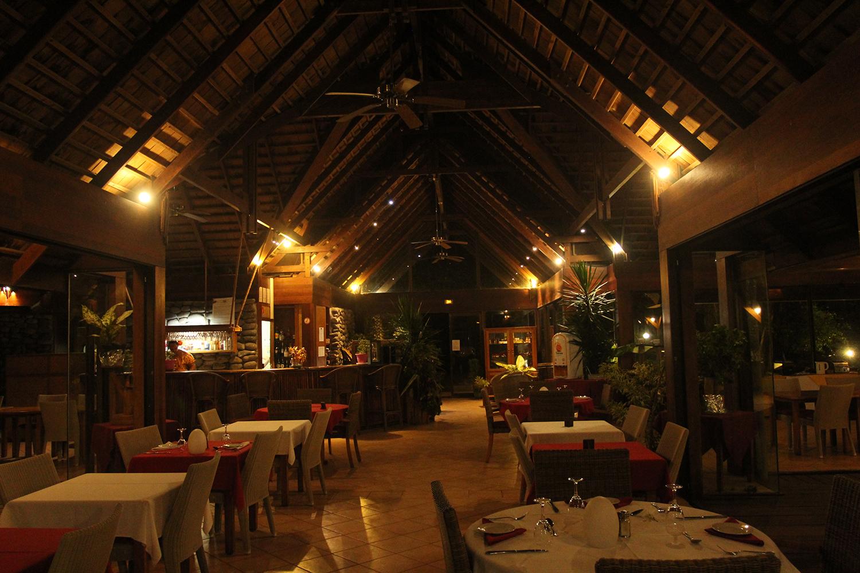 La salle de restaurant du Hanakee Lodge; M. Macron y prendra son petit-déjeuner le 26 juillet au matin, avant de se rendre à Taaoa puis à Manihi, aux Tuamotu (si le programme tel qu'il est prévu est maintenu).