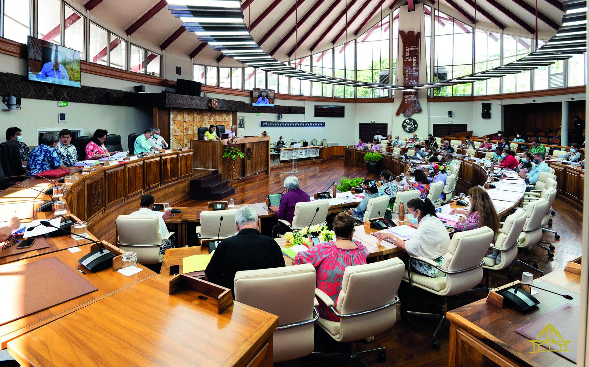 Un an de plus pour les concessions EDT des îles, c'est voté