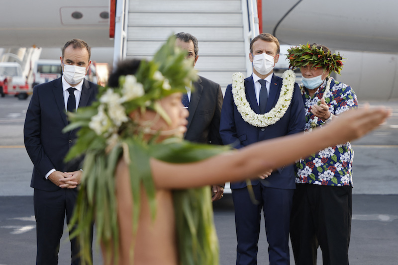 """Les """"paroles attendues"""" d'Emmanuel Macron à Tahiti"""