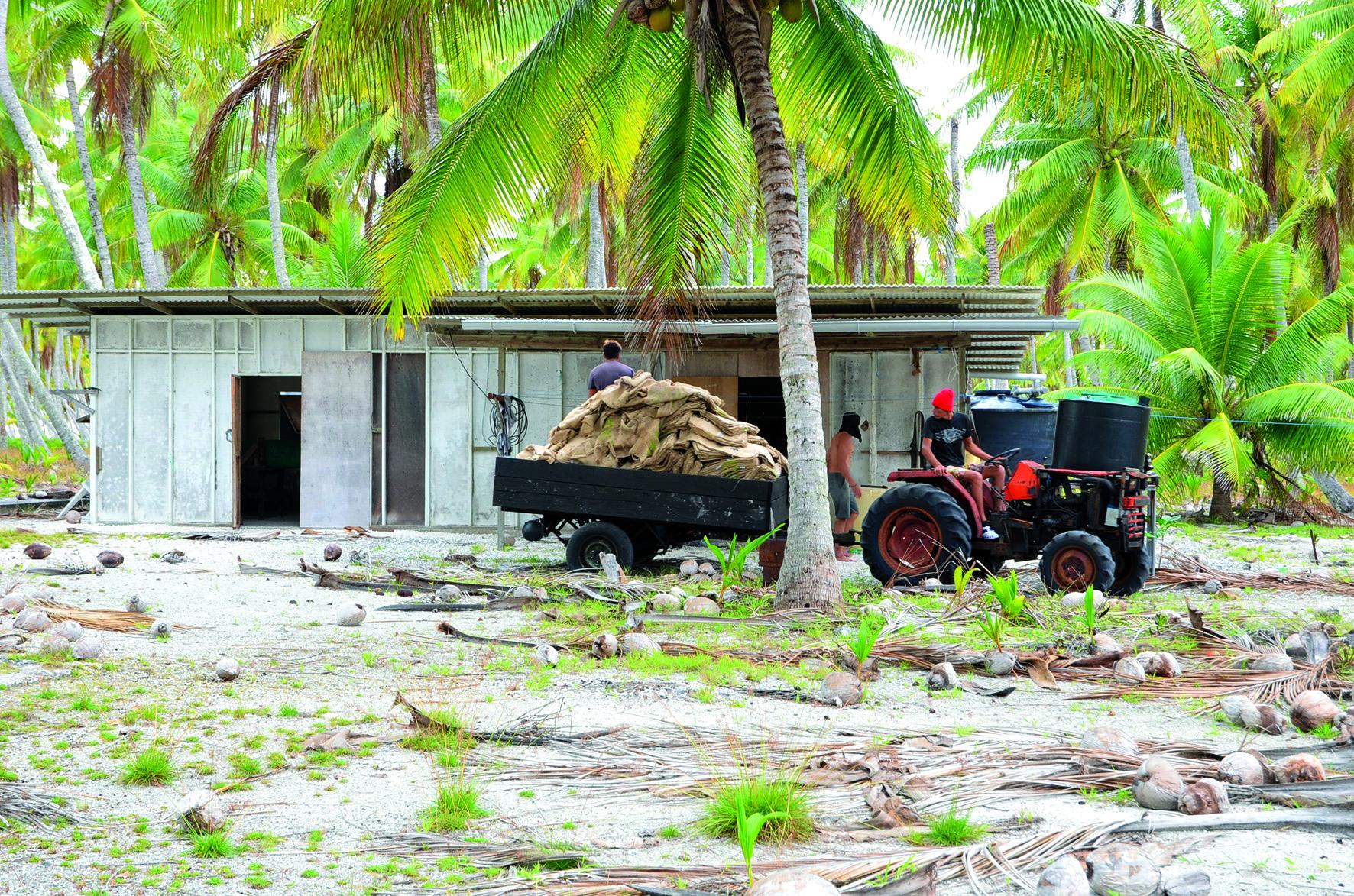 Îles Actéon : Le notaire se défend et contre-attaque