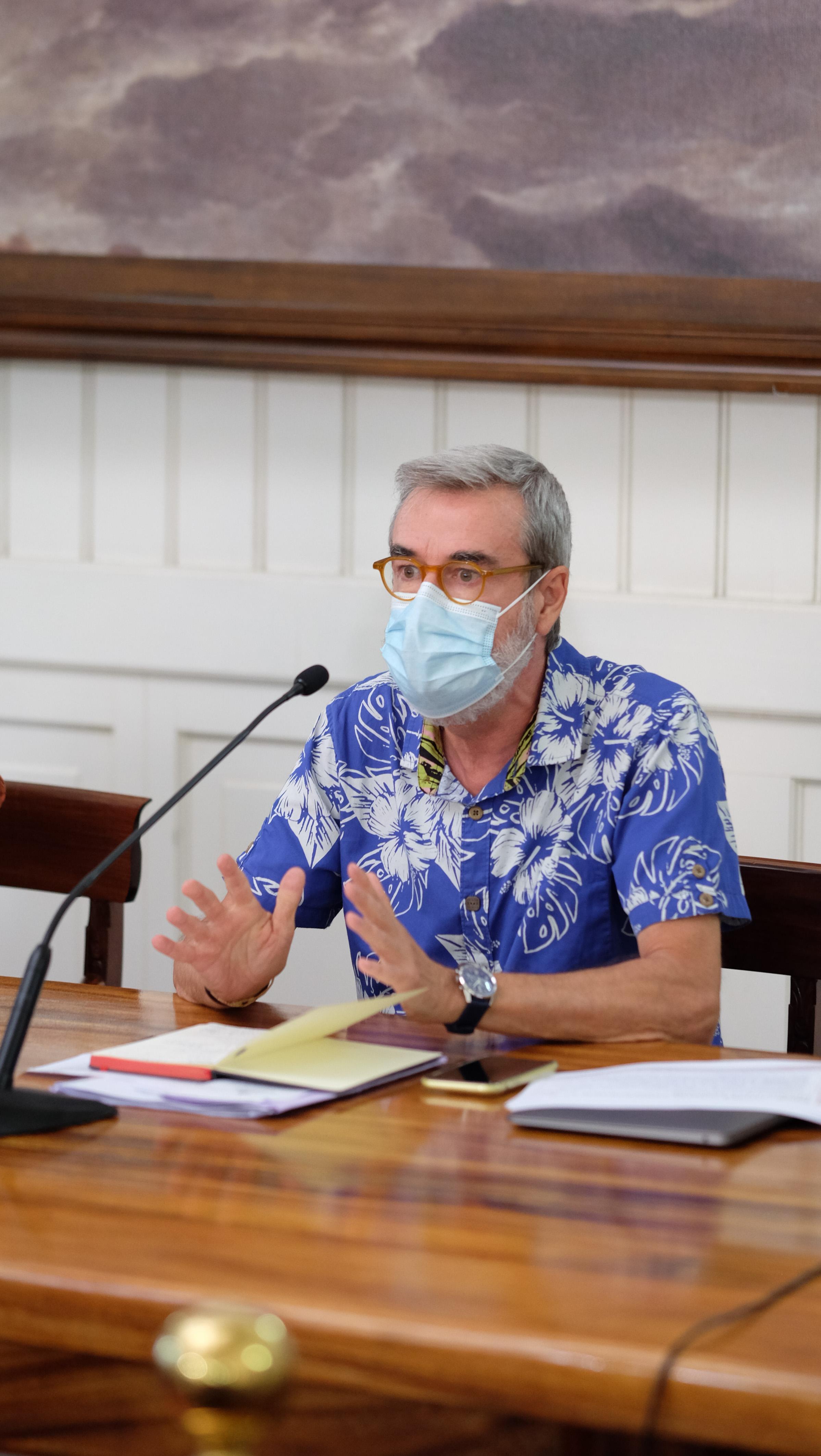 Éric Tournier se prépare à tous les scénarios et n'hésitera pas à fermer les écoles si la situation sanitaire l'impose.