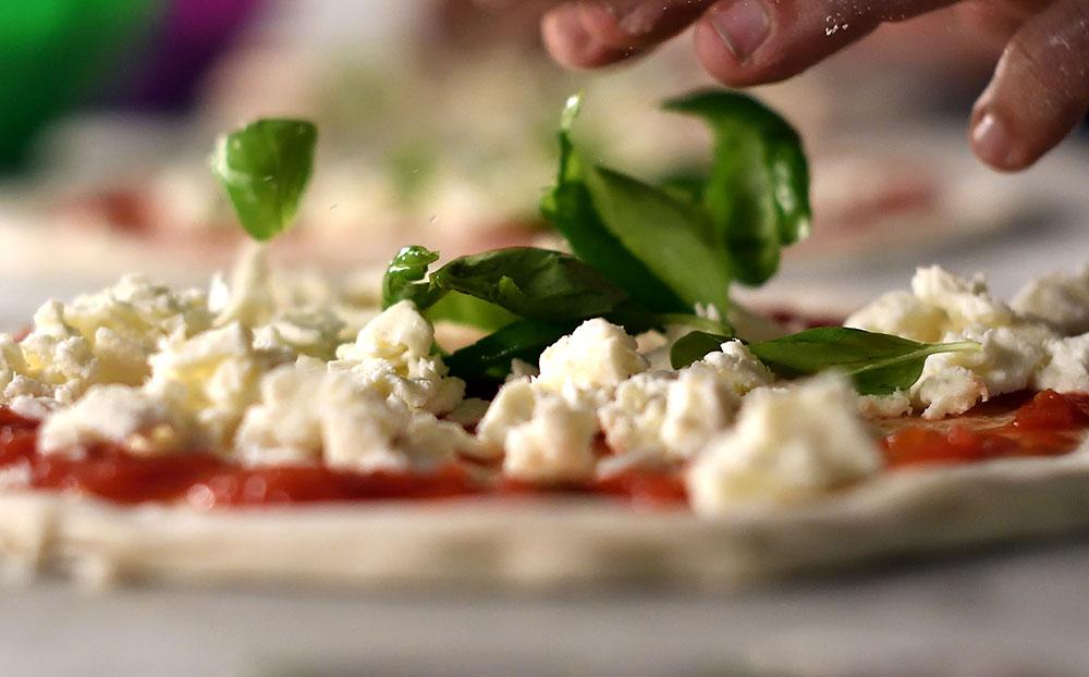 Le groupe avait cambriolé une grande partie de la roulotte/pizzeria Bella Mia à Faa'a (© AFP)