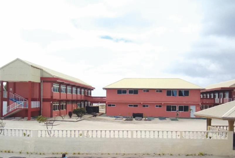 Comme tous les établissements scolaires de Polynésie, l'école primaire de Hao est fermée. La continuité pédagogique s'organise pour ses 118 élèves.