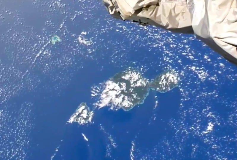 Tahiti, Moorea et Tetiaroa vues depuis l'ISS mercredi. (©Nasa - ISS83)