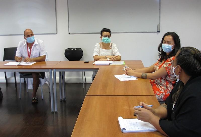 Chaque semaine les autorités de l'île et de l'archipel se réunissent autour de la directrice de l'hôpital en PC de crise pour faire le point sur la situation sanitaire des Marquises.