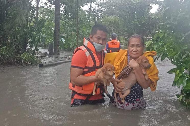 Handout / Philippine Coast Guard / AFP