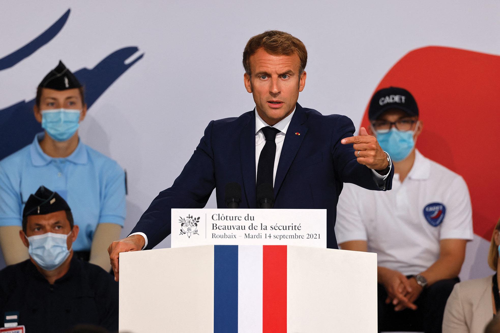 Ludovic MARIN / POOL / AFP