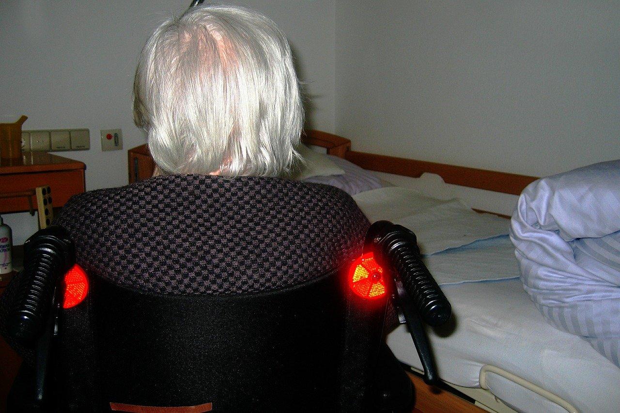 Alzheimer: un nouvel espoir, timide, pour traiter la maladie