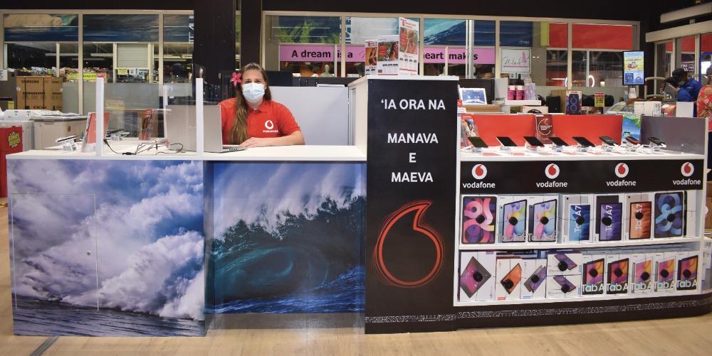 Besoin de conseils pour un nouveau téléphone, d'informations pour s'équiper en Internet à la maison, besoin d'une carte prépayée ou d'un abonnement ? Depuis hier, un stand Vodafone est ouvert depuis hier dans l'espace Media Nui du Carrefour de Taravao.
