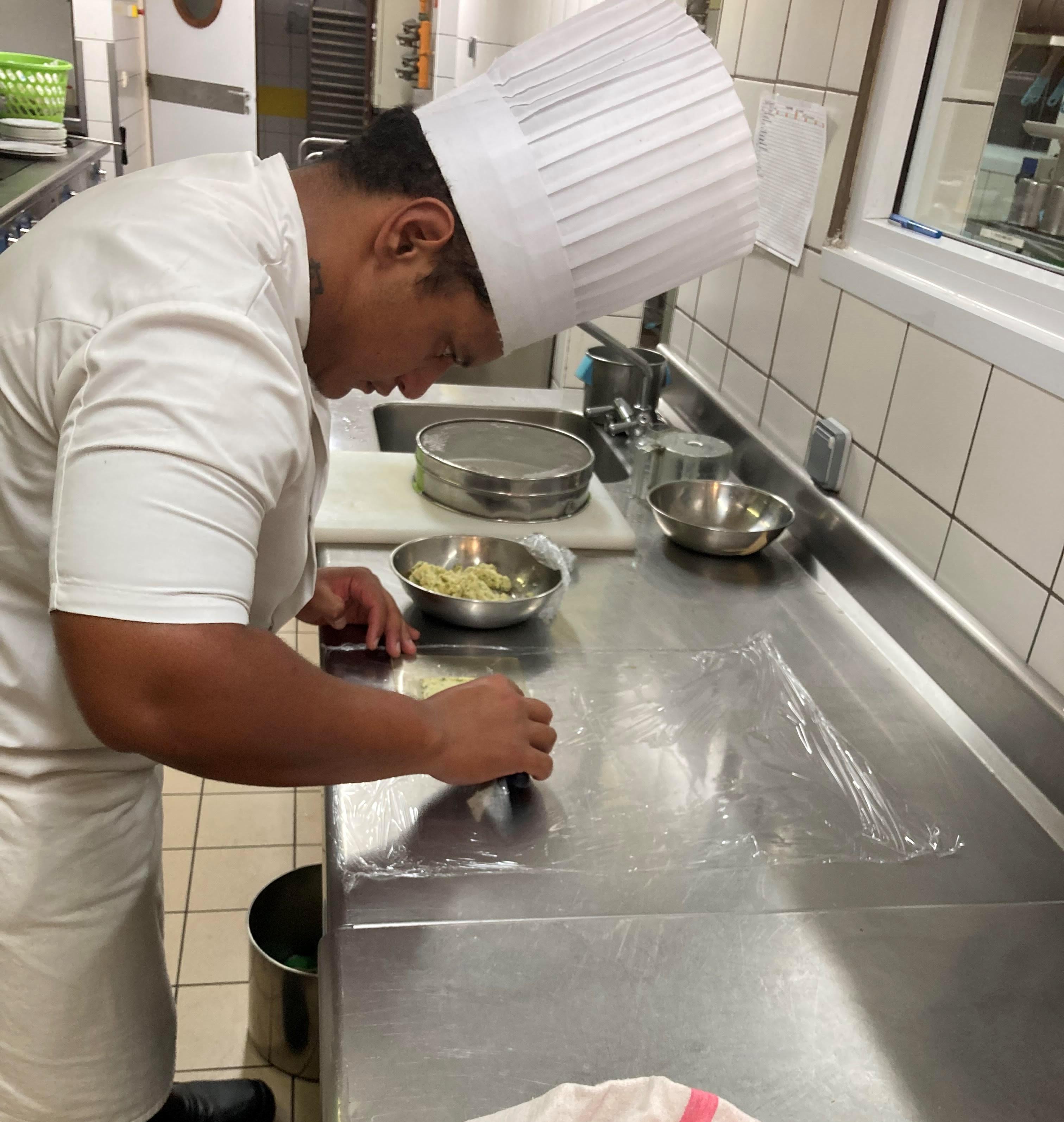 Juliano Hiriga a préparé un menu composé de quatre entrées et deux desserts spécialement pour le concours.