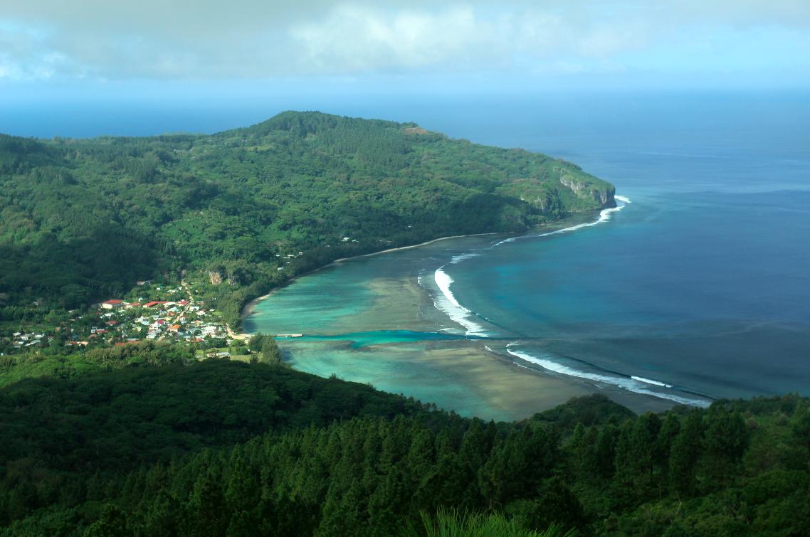 C'est par cette passe, à Avera, que A'a a quitté son île en 1821, sur une petite barque non pontée; de là, conformément à la volonté des pasteurs qui voulaient des trophées païens, il est arrivé à Raiatea.