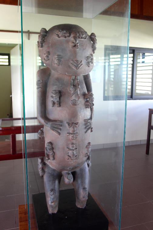 Longtemps exposé à la mairie, après le don de Hermione Waterfield, le moulage en plâtre de A'a se trouve aujourd'hui à l'aéroport de Rurutu, dans un fare musée, depuis juillet 2018.