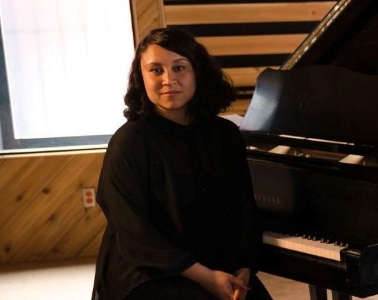 La polynésienne Eva Lachhar docteure en piano