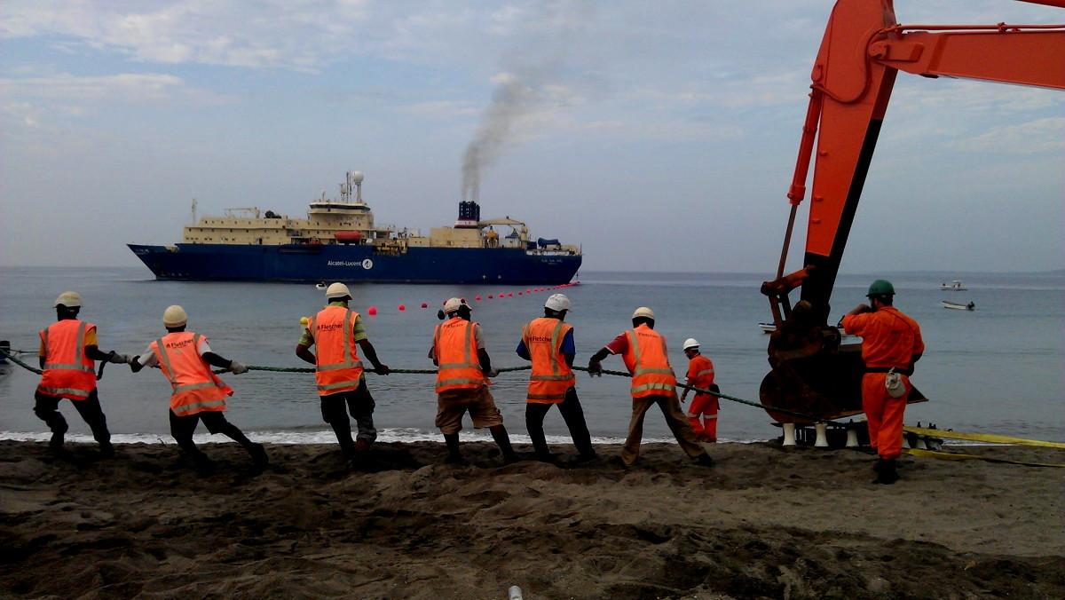 Le câble sous-marin à haut débit arrive à Vanuatu