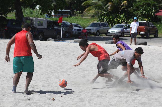 Beachsoccer – un tournoi organisé à Papara en hommage à Gen Imai