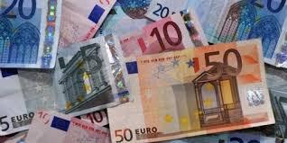 Cannes: il trouve 10.000 euros dans la rue et les remet à la police