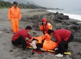 Un Taiwanais récupéré vivant après 60 heures en mer, accroché à un cercueil