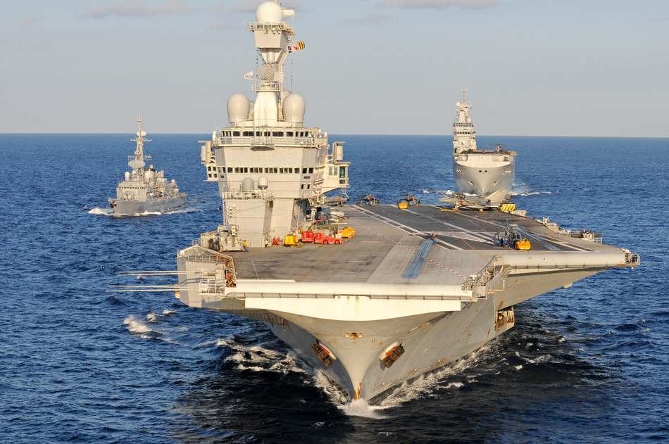 A bord du porte-avions Charles de Gaulle, les marins de Polynésie présentent leurs voeux
