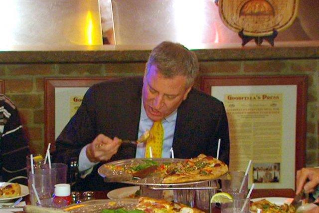 Manger sa pizza avec une fourchette? Crime de lèse-majesté à New York